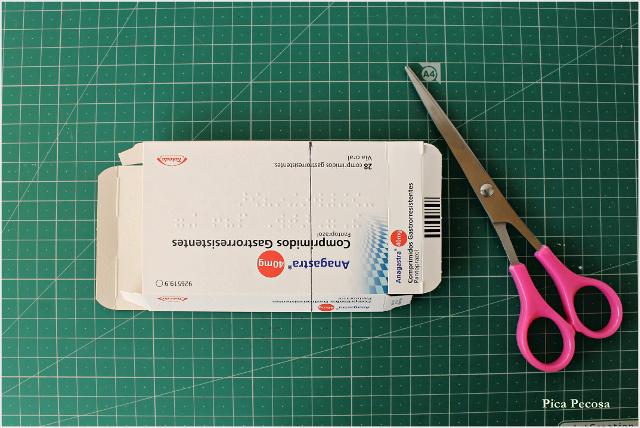calendario-adviento-diy-imanes-puerta-nevera-cajas-medicamentos-recicladas-paso-1