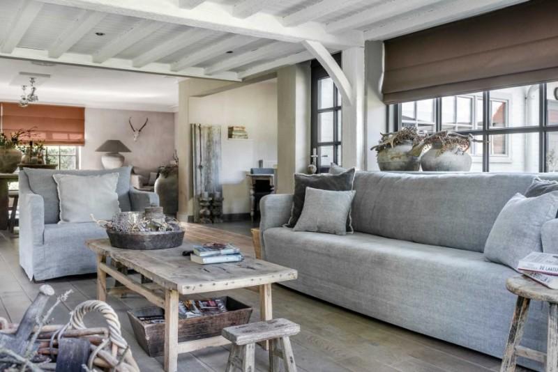 Las_claves_del_nuevo_rústico_decoración_salón_tonalidades_neutras_detalles_madera