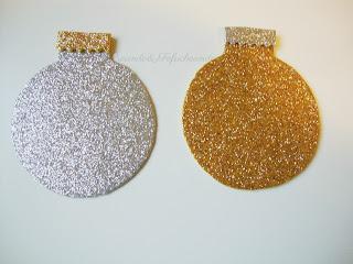 bolas de goma eva con brillantina o purpurina para mi 1ª navidad