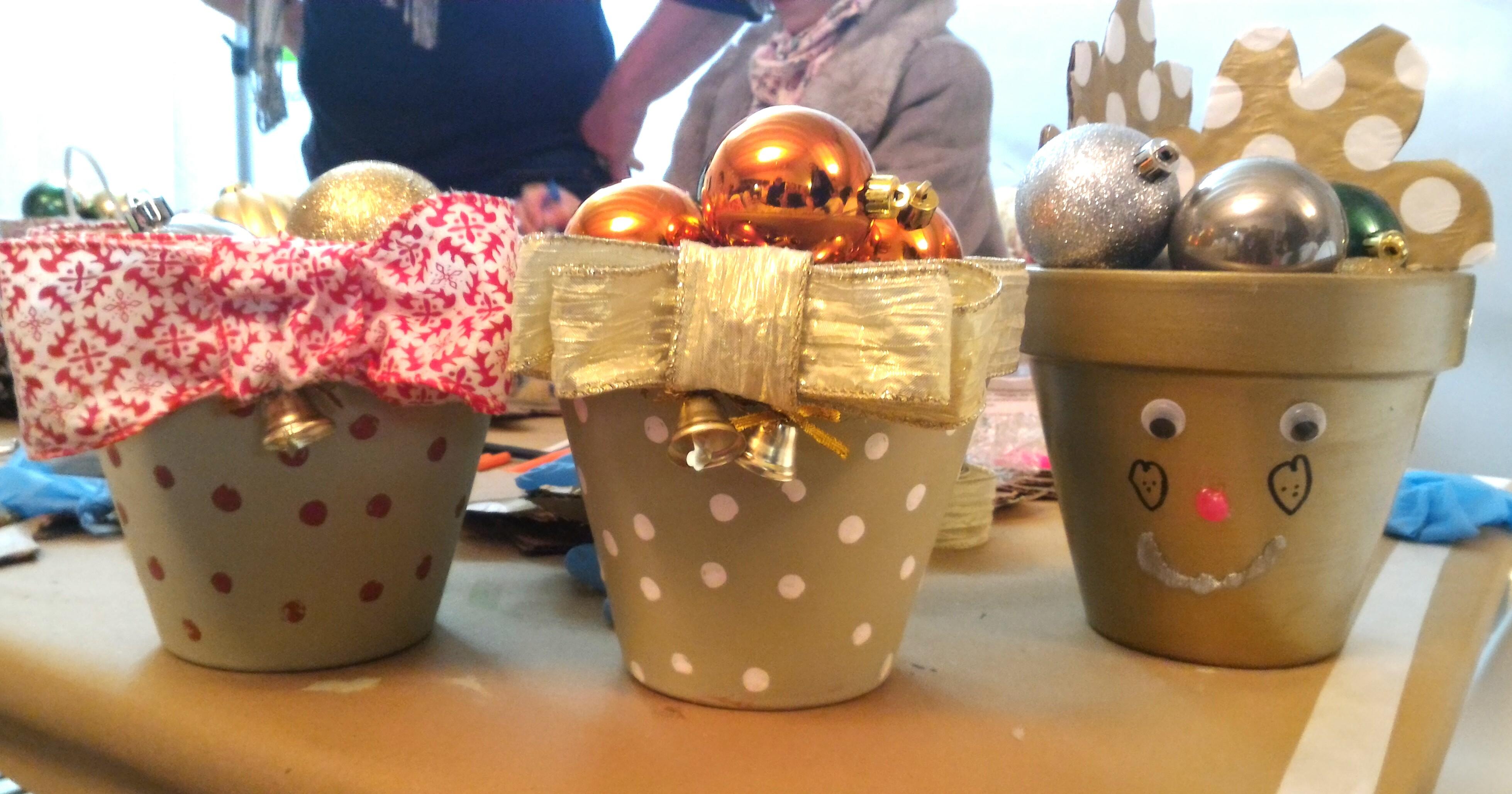 decoracion de navidad diy - Macetas decordas - talleres leroy merlin