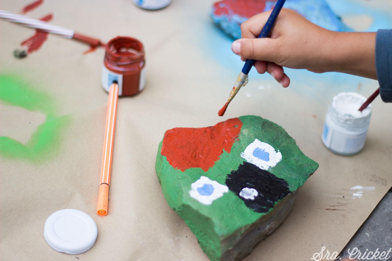 manualidades con niños piedras