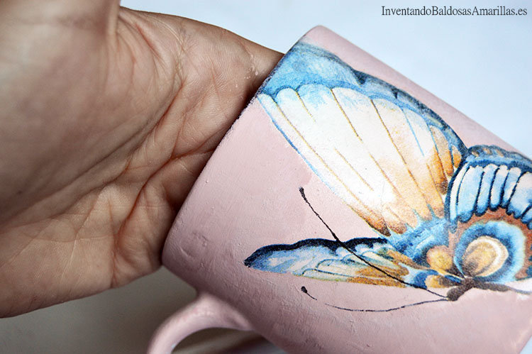 taza-decorada-decoupage-mariposa-1