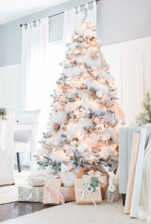 white-christmas-decorations