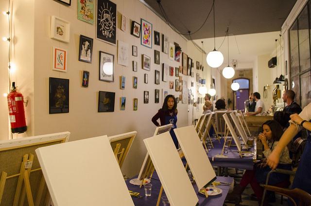 Pintar un cuadro en dos horas con Salir Con Arte