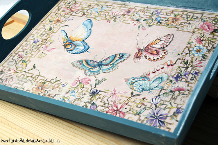 bandeja-decorada-servilleta-mariposas-1