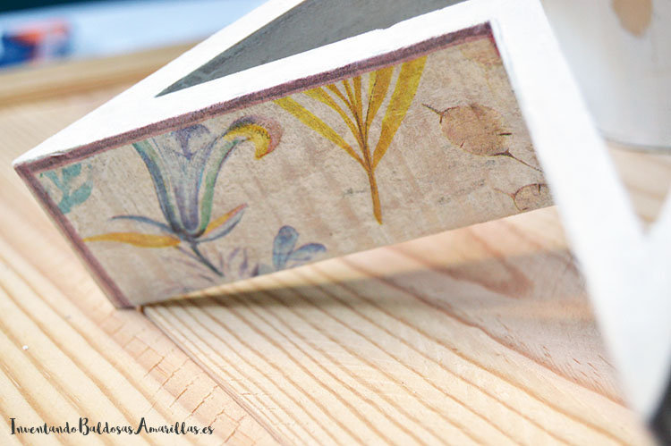 decorar-estrella-madera-decoupage-1