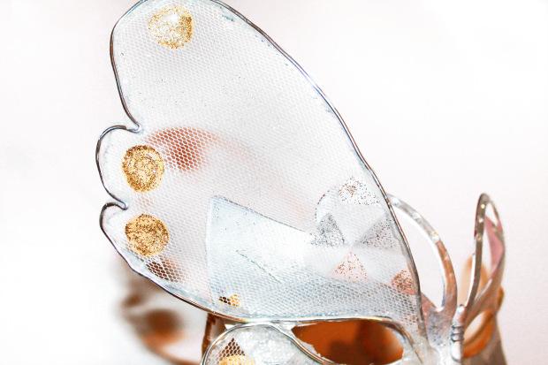 como hacer una mascara de mariposa.jpg