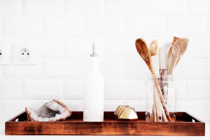 blanco_en_la_reforma_de_una_cocina_interiorismo_detalles_en_madera