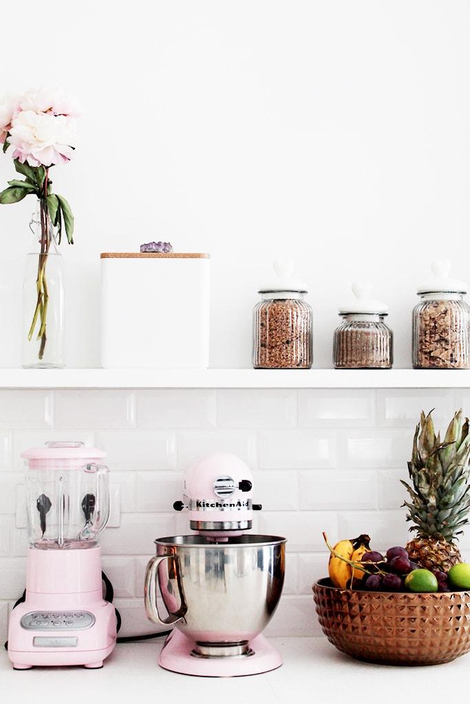 blanco_en_la_reforma_de_una_cocina_interiorismo_detalles_decorativos