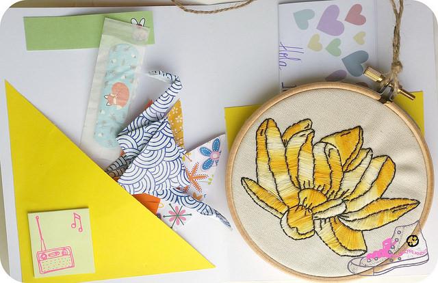 snail mail con bastidor bordado