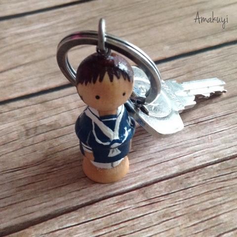 Comuniones-detalles-personalizados-llaveros-muñecos-madera-handmade