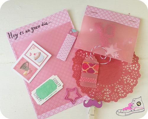 carta en tonos rosas