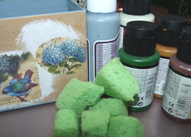 caja-papel-mache-pintura-acrilica