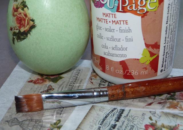 decoupage-huevos-de-ceramica