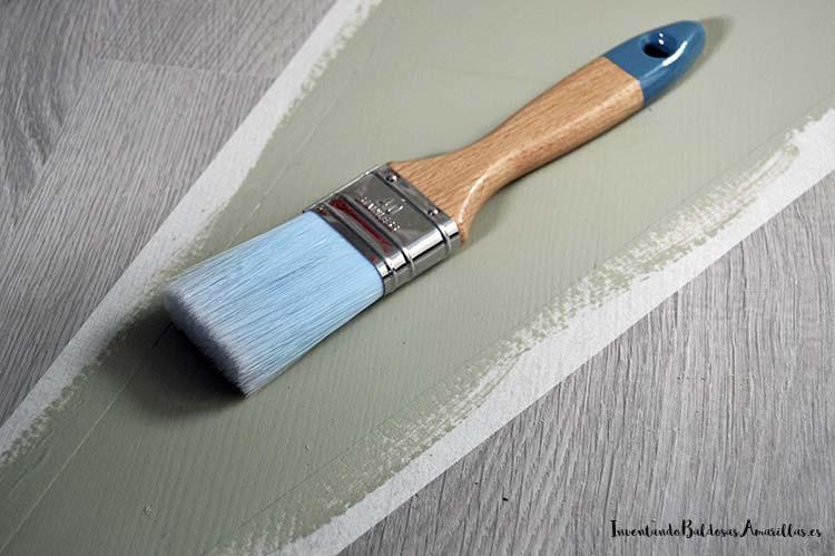 pintar-suelo-brocha