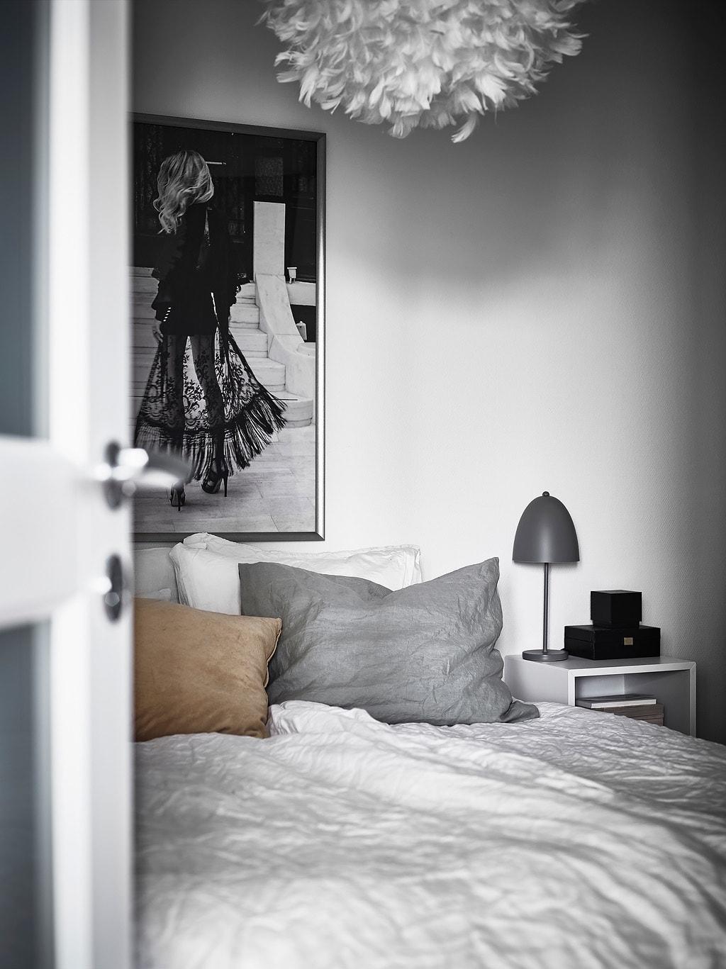 Decorar_con_plantas_de_interior_un_mini_piso_decoinspirción_decolook_detalle_lámpara_dormitorio