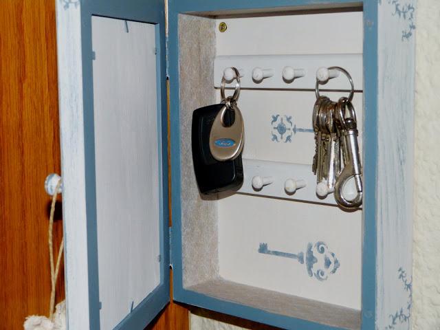 armario-llaves-decorado-chalk-paint-decapado-estarcido