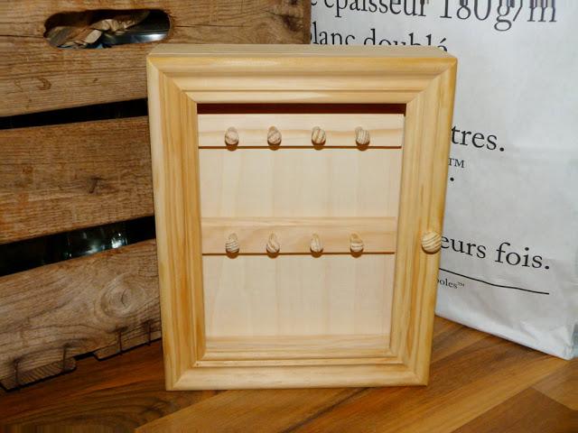 armario-llaves-madera-decapado