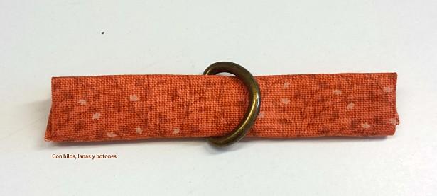 Con hilos, lanas y botones: clutch de ganchillo Louisina (patrón gratis)