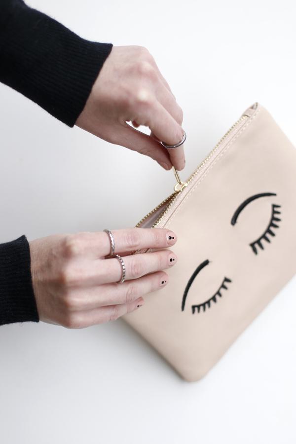 manicure-nail-nailart-punto-negro-black-dot-4