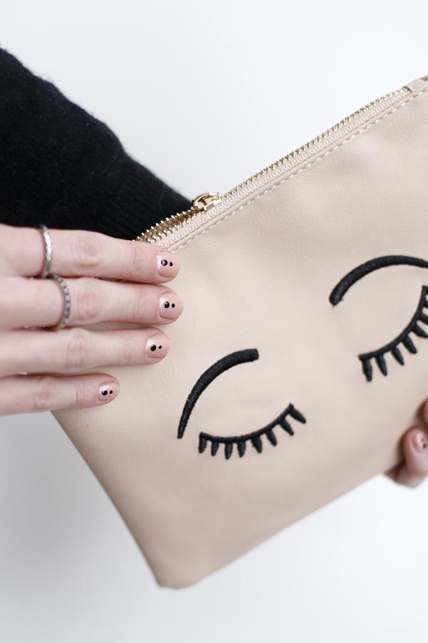 manicure-nail-nailart-punto-negro-black-dot-5