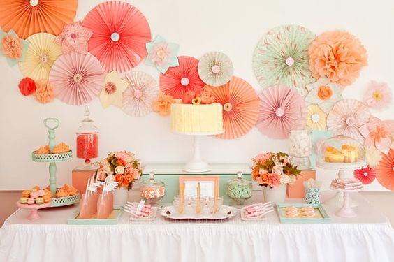 decoracion para fiestas DIY - adornos en papel de seda de Etsy