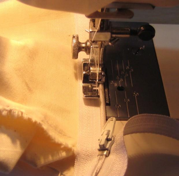 Cambiamos la patilla de la máquina de coser