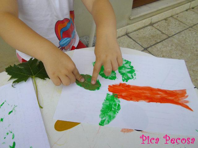 diy-dibujar-con-hojas-pintadas-pintura-dedos
