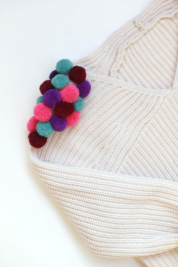 sweater-chaleco-pompon-diy-pompom-costura-colores