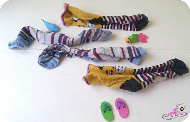 mar con calcetines