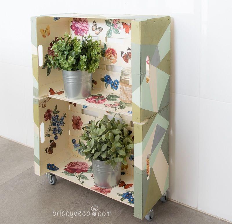 cómo hacer una estantería con cajas de fruta