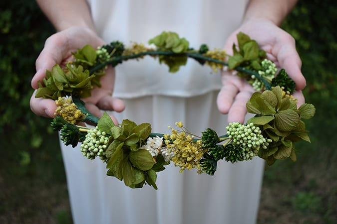 como hacer corona flores preservadas