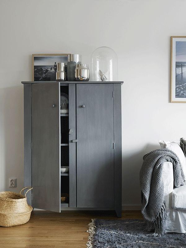 grey wardrove