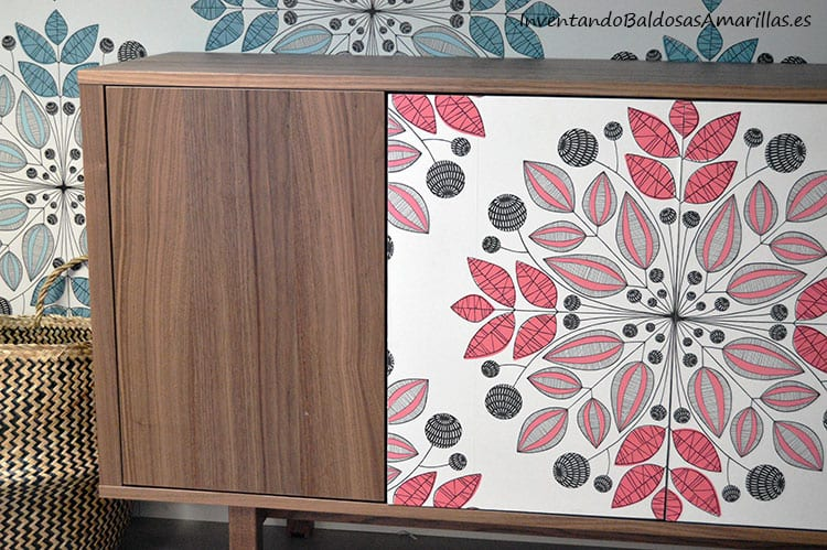 mueble-decorado-con-papel-pintado