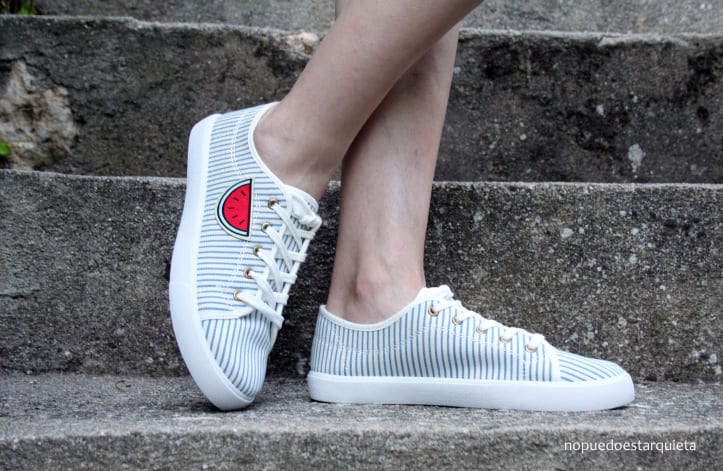 Decorar zapatillas con parches para ropa DIY