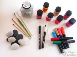 Materiales para manualidad de sumas y restas en piedras