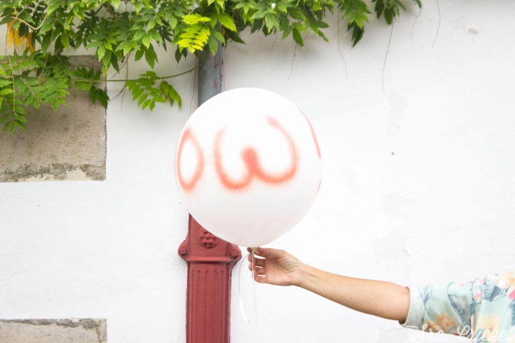 pintar globos con spray