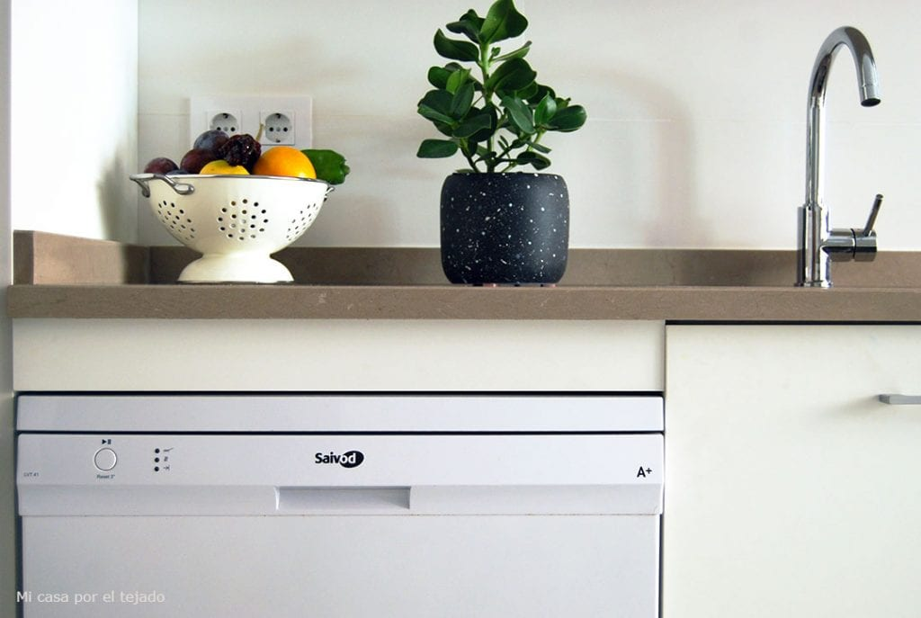 ... Una Altura Estándar De 85 Cm. En Nuestro Caso, Como Reutilizamos Los  Anteriores Electrodomésticos U2013no Queríamos Cambiarlos Solo Por Estética  Estando En ...