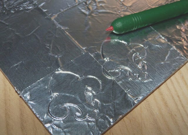 relieve-punzon-aluminio-adhesivo