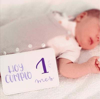 Carteles cumple meses para bebés