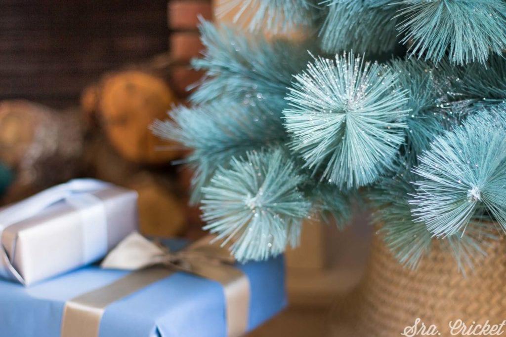 como pintar un arbol de navidad con spray