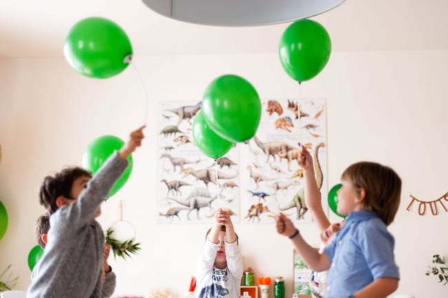decorar-globos-fiesta-dino