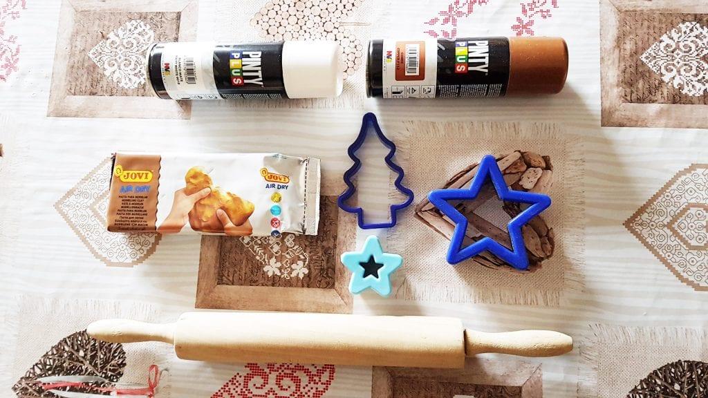 adornos de Navidad con pasta para modelar - materiales para las estrellas de navidad