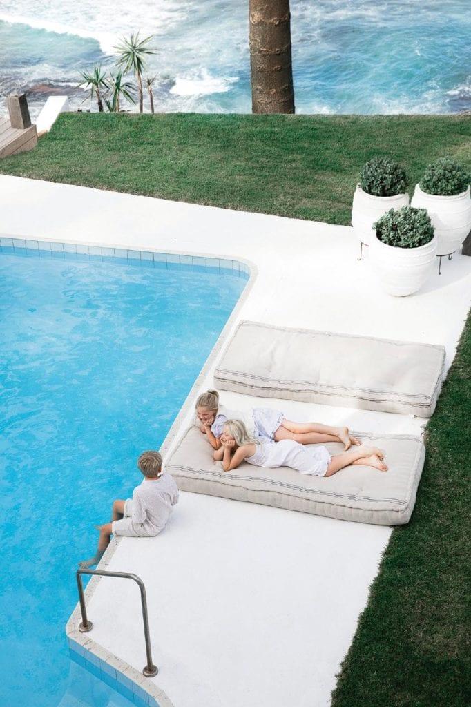 Navidad_con_sabor_mediterráneo_decoinspiración_piscina-13