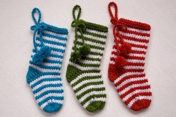 Cómo tejer un calcetín de Navidad con dos agujas - Handbox Craft ...