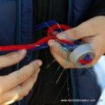 Taller para niños reciclando tapones de botellas de plástico