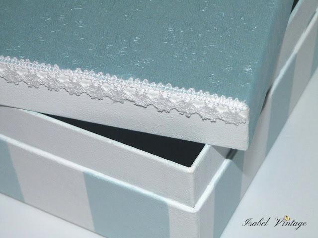caja-carton-rayas-pasamaneria