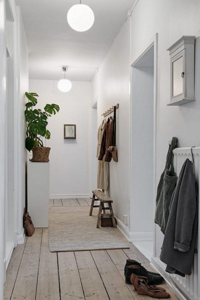 como iluminar tu casa - escoger la iluminacion en zonas de paso como pasillos y recibidores