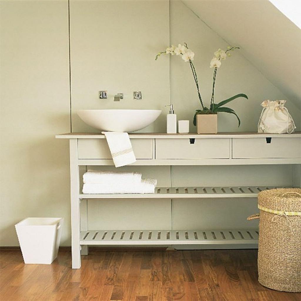 Mueble de baño hecho con una consola