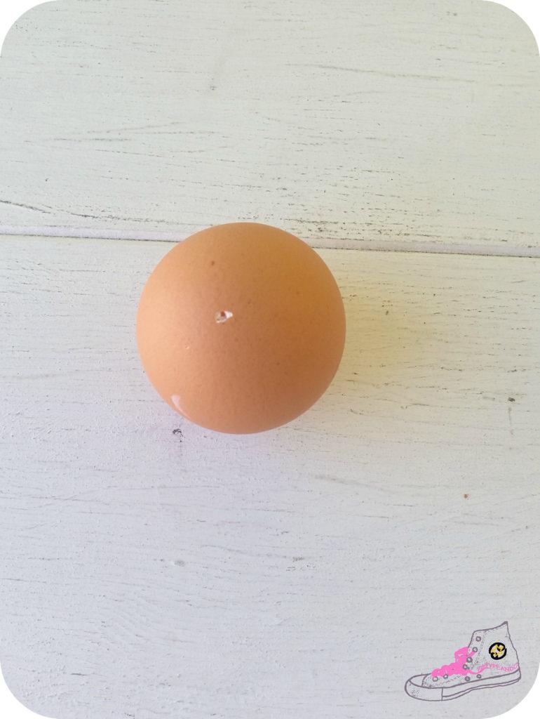 como vaciar un huevo